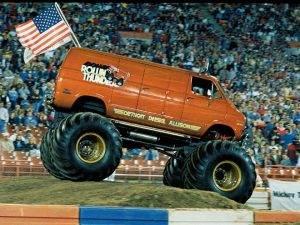 0610dp 04 zrollin thunder monster truckmonster truck challenge 300x225 - 0610dp_04_z+rollin_thunder_monster_truck+monster_truck_challenge