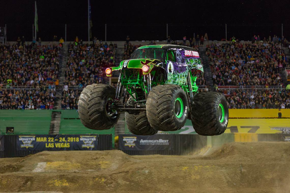 GraveDigger17 02 0 t1140 - Retro Motors Feature - Motorsport